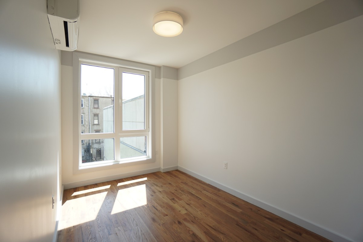 774 Lexington Avenue, Apt 3B Image 7