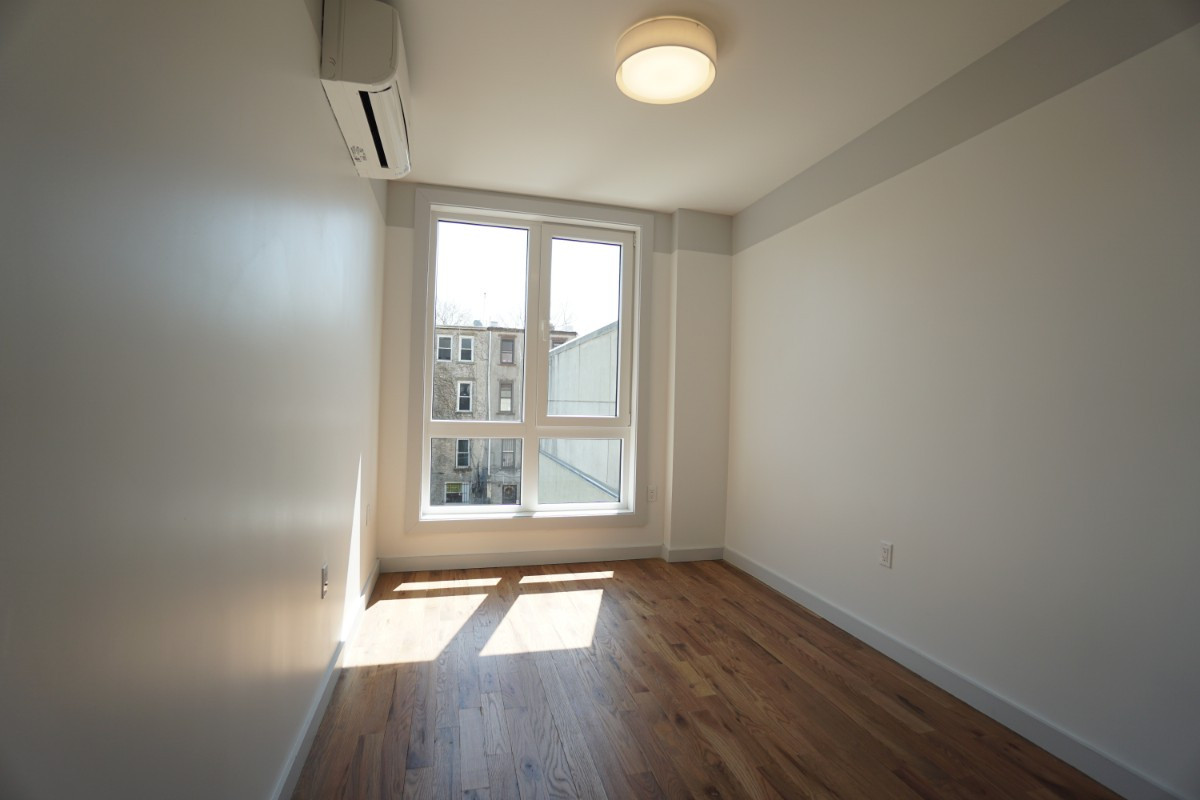 774 Lexington Avenue, Apt 3B Image 13