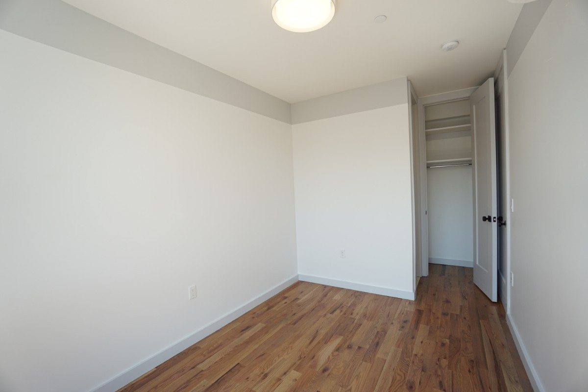 774 Lexington Avenue, Apt 3B Image 12