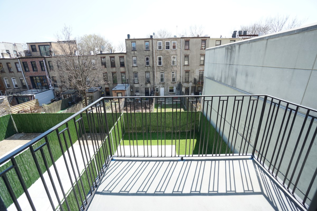 774 Lexington Avenue, Apt 3B Image 14
