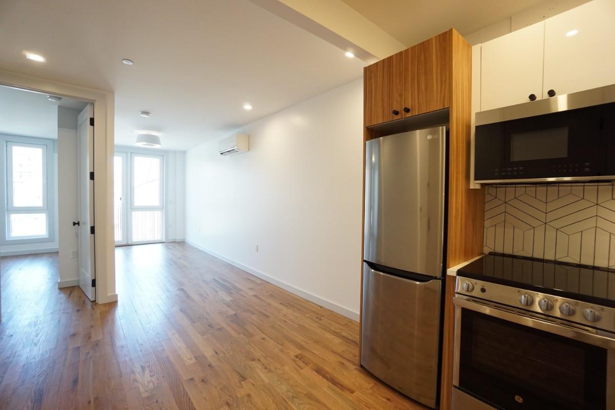 774 Lexington Avenue, Apt 3C Image 3