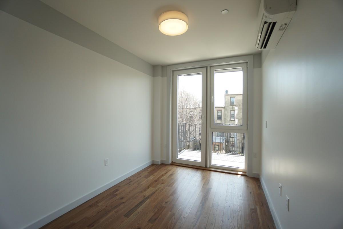 774 Lexington Avenue, Apt 3C Image 7