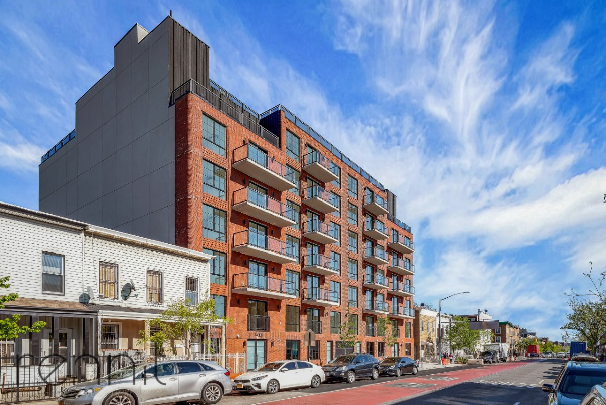 933 Rogers Avenue, Apt 4E Image 23