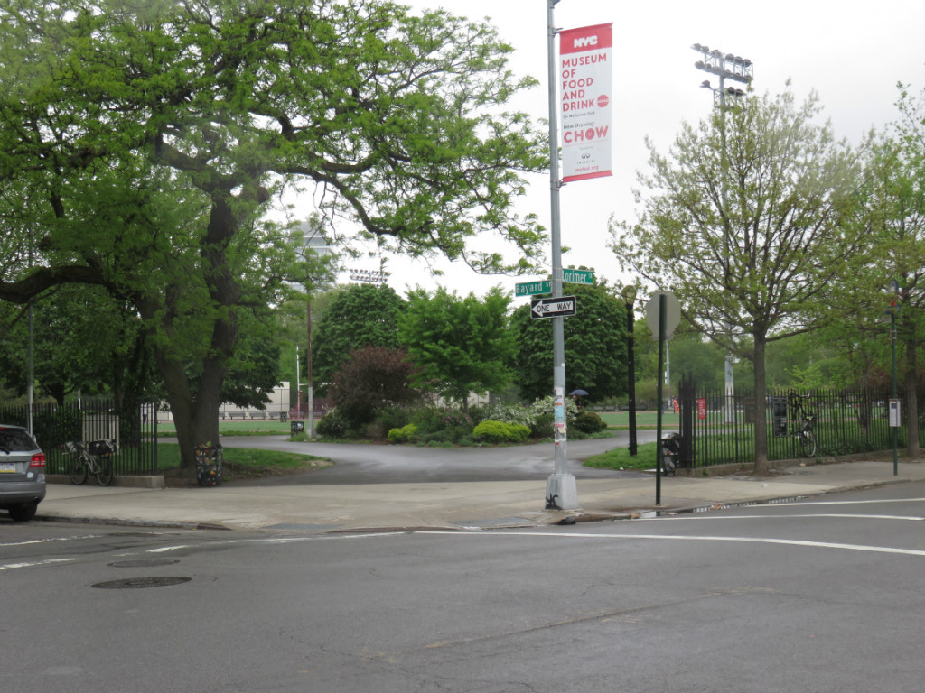 730 Lorimer Street, Apt 2R Image 14