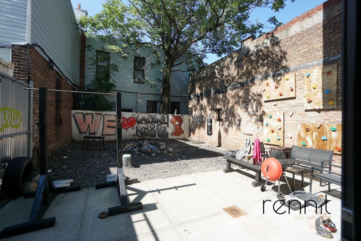 1513 Gates Avenue, Apt 1B Image 9