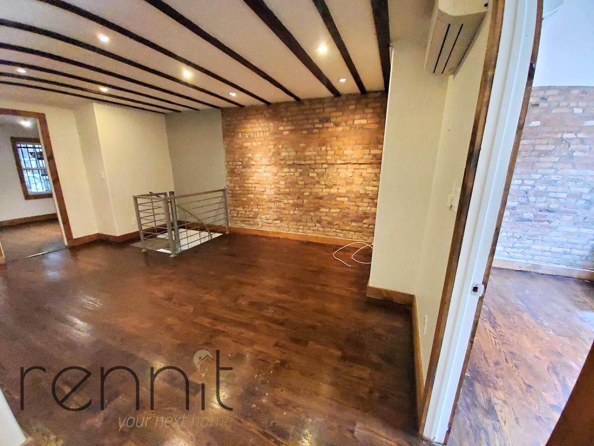 758 Willoughby Ave, Apt 1 Image 2