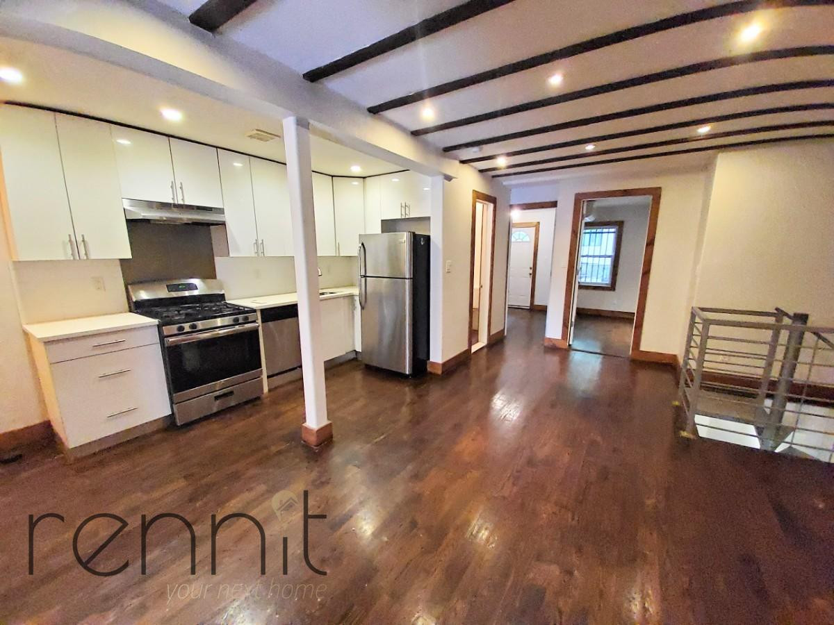 758 Willoughby Ave, Apt 1 Image 4